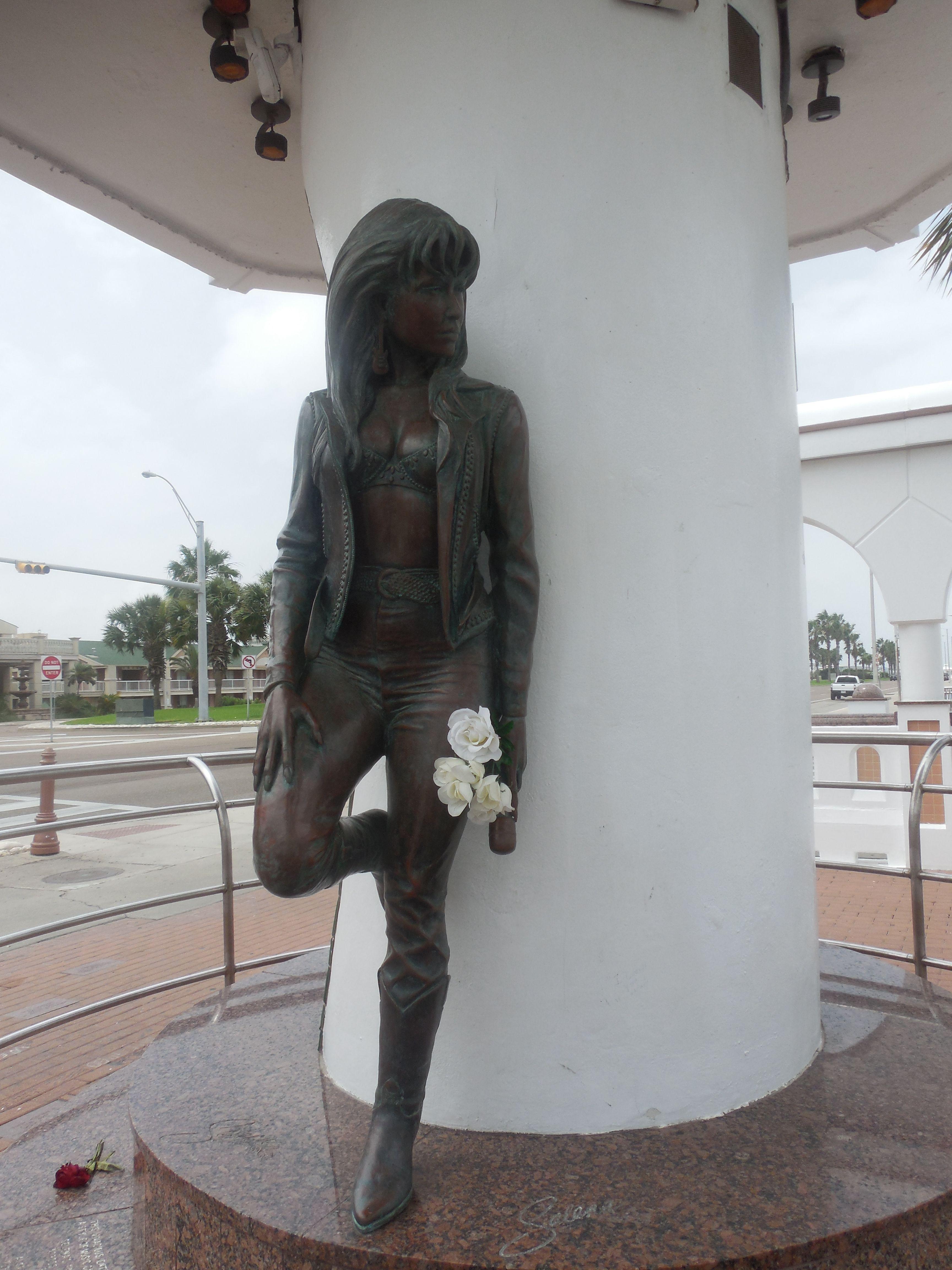Selena Statue Corpus Christi Texas 2016 Boots Knee