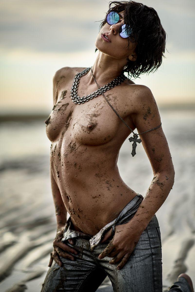 crossfit models nude pics