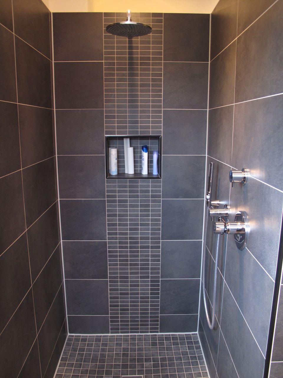 Schlichtheit und Komfort Wege zur Erholung Badezimmer