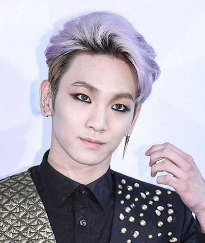 Key From Shinee I Like His Eye Makeup Purple Hair Shinee Mens Hairstyles Shinee (샤이니) merupakan boy group asal korea selatan yang dibentuk oleh s.m. purple hair