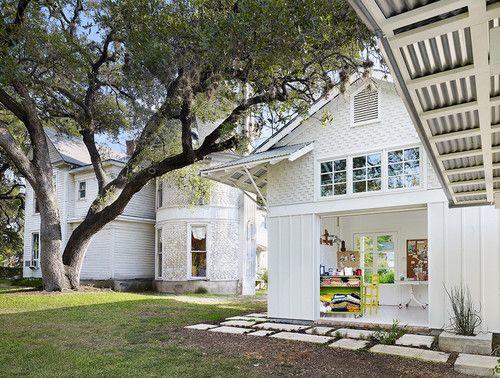 exterior tradicional de Clayton & Arquitectos Pequeños