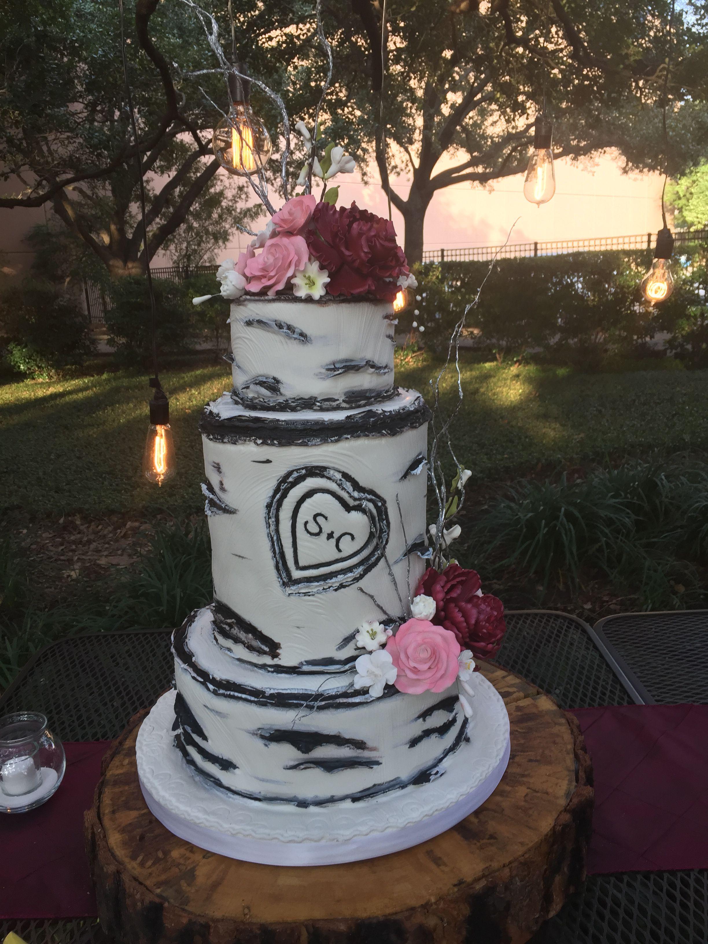 Fondant tree trunk cake