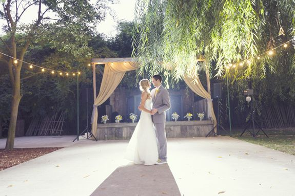 A Pretty Modern Rustic Yellow And Gray Wedding At The Grove