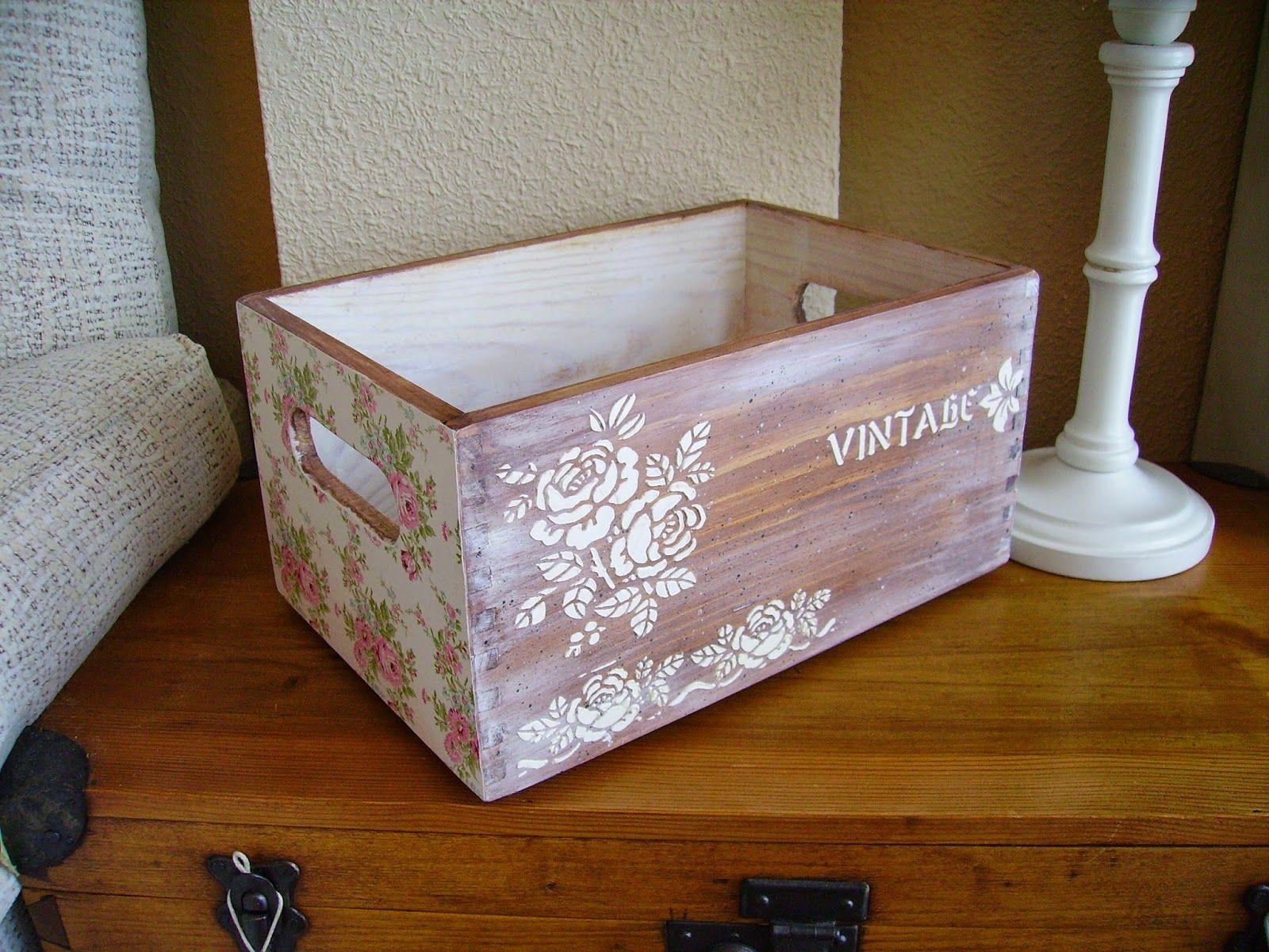 Retazos de madera cajas vintage manualidades caja de - Decorar cajas de madera manualidades ...
