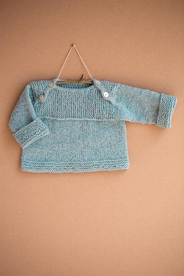 Baby knitting patterns: Wee Envelope by Ysolda Teague, download on LoveKnitting