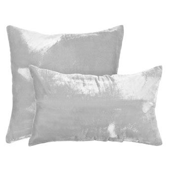 Velvet cushion from zara home. Perfect to add some texture. From 3,99 to 9,99€