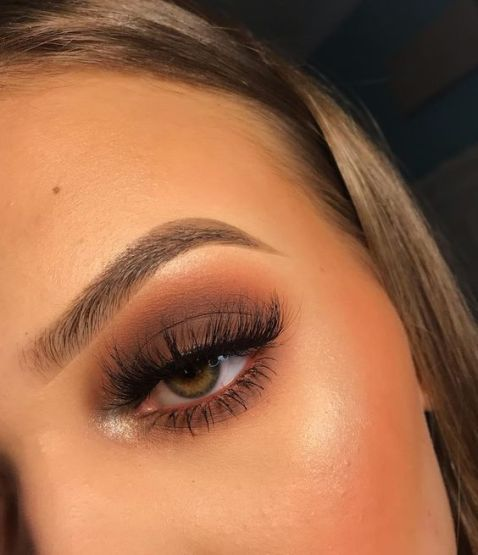 7 Everyday Eyeshadow Looks To Wear During The Day – Society19