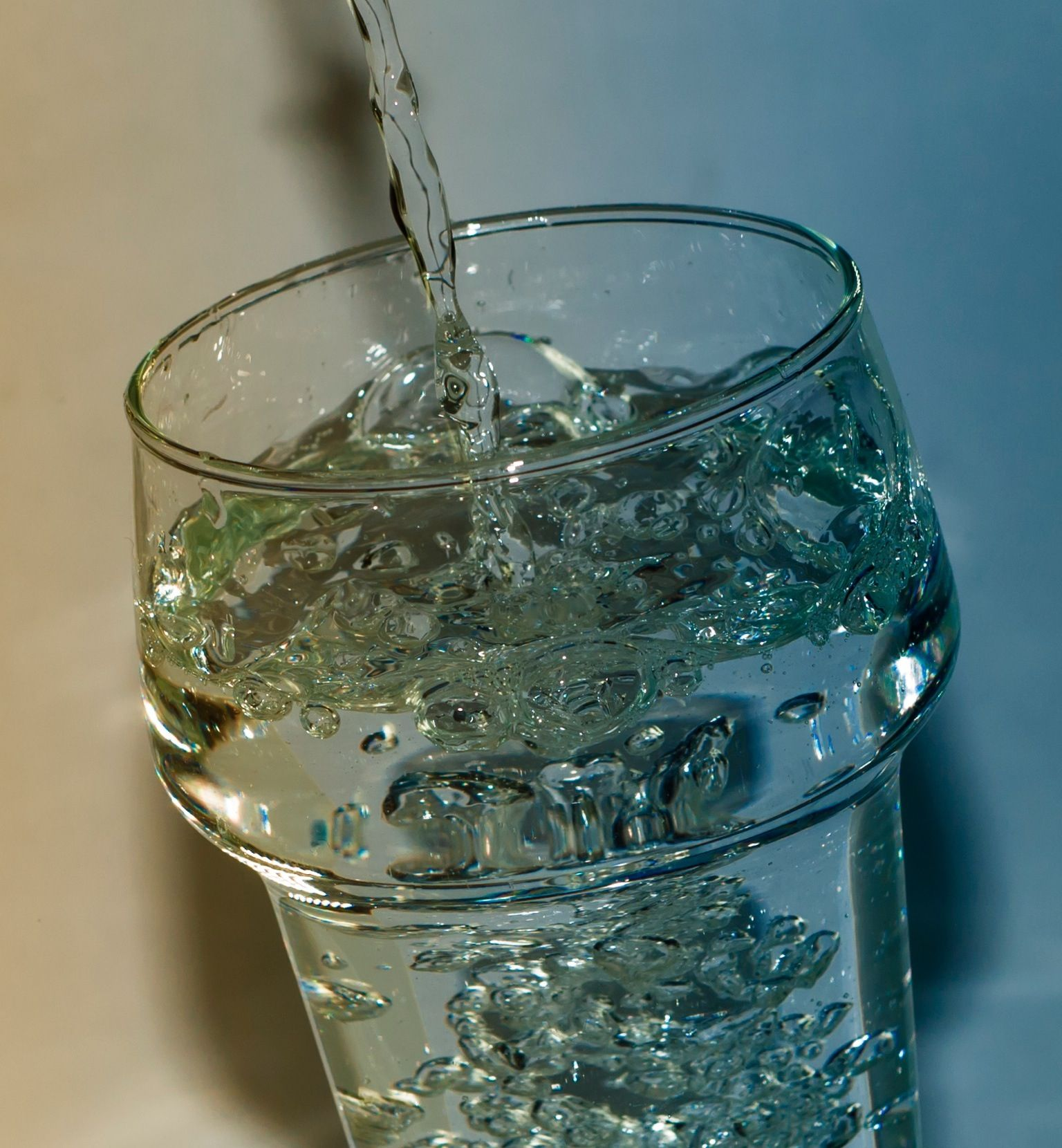 Cool sparkling water