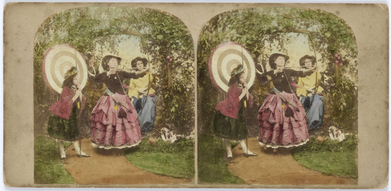 Anonymous | Tafereel in tuin: jonge vrouwen aan het boogschieten, Anonymous, 1855 - 1865 |