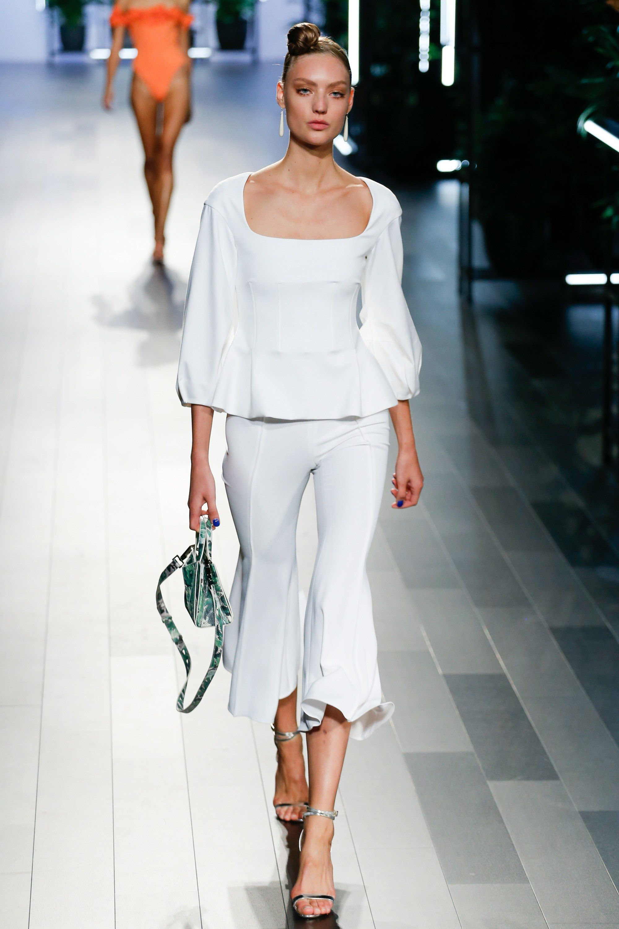 CUSHNIE ET OCHS SPRING SUMMER 2018 RTW COLLECTION SS18 RUNWAY FOOTWEAR  SHOES HANDBAGS LUXURY LEATHER GOODS FLORAL FLORALS VOGUE NYFW NYC NEW YORK  FASHION ... 2c256759a3b
