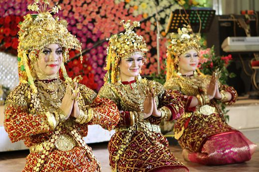 Tarian Gending Sriwijaya Penari Tarian Budaya
