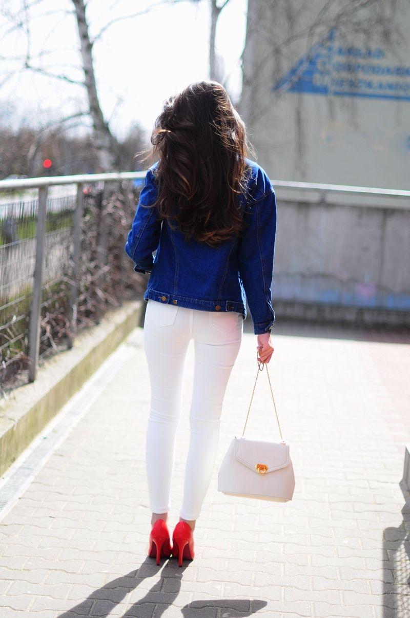Blog O Modzie Fashion Blog Blog Moda Beauty Dzinsowa Kurtka Biale Spodnie Pumps Outfit Red Pumps Outfit White Pumps Outfit