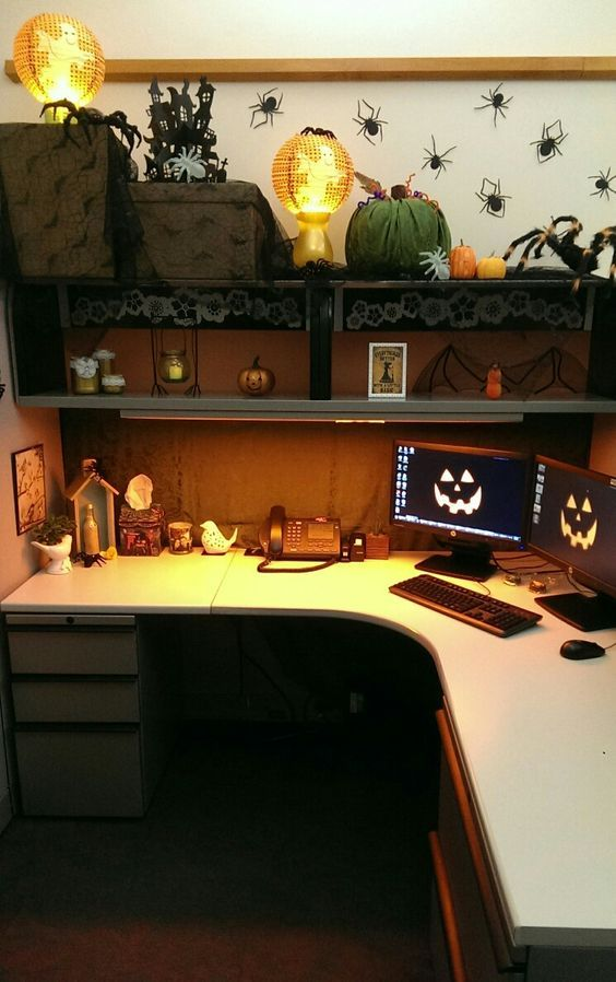 55 Best Halloween Cubicle Ideas Worth Replicating at Your Office - halloween desk decorations