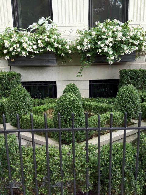 Walk In Garden Box: The Semi-Designed Life: A Walk Through Chicago