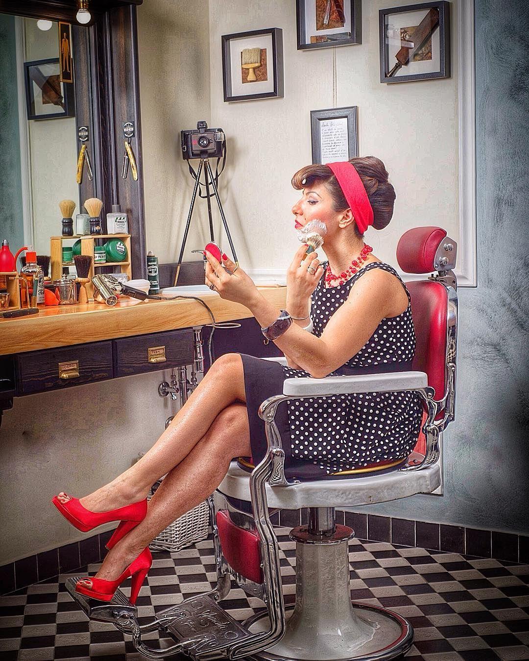 Pin By Iffah Fathin On Style: BarberChair-PinUp #woman #barbershop #naples #headrush