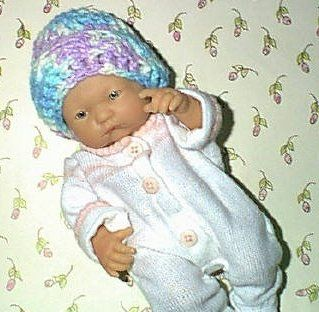 Micro-Preemie Baby Cap ~ free pattern #premiebabyhats