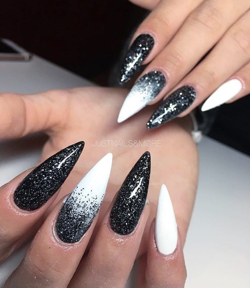 Jᴜsᴛnᴀɪʟs Pʀᴏғᴇssɪᴏɴᴀʟ Auf Instagram Worked With Our Products Black Crystal Premium White Justnails In 2020 White Stiletto Nails Ombre Nails Glitter Bling Nails