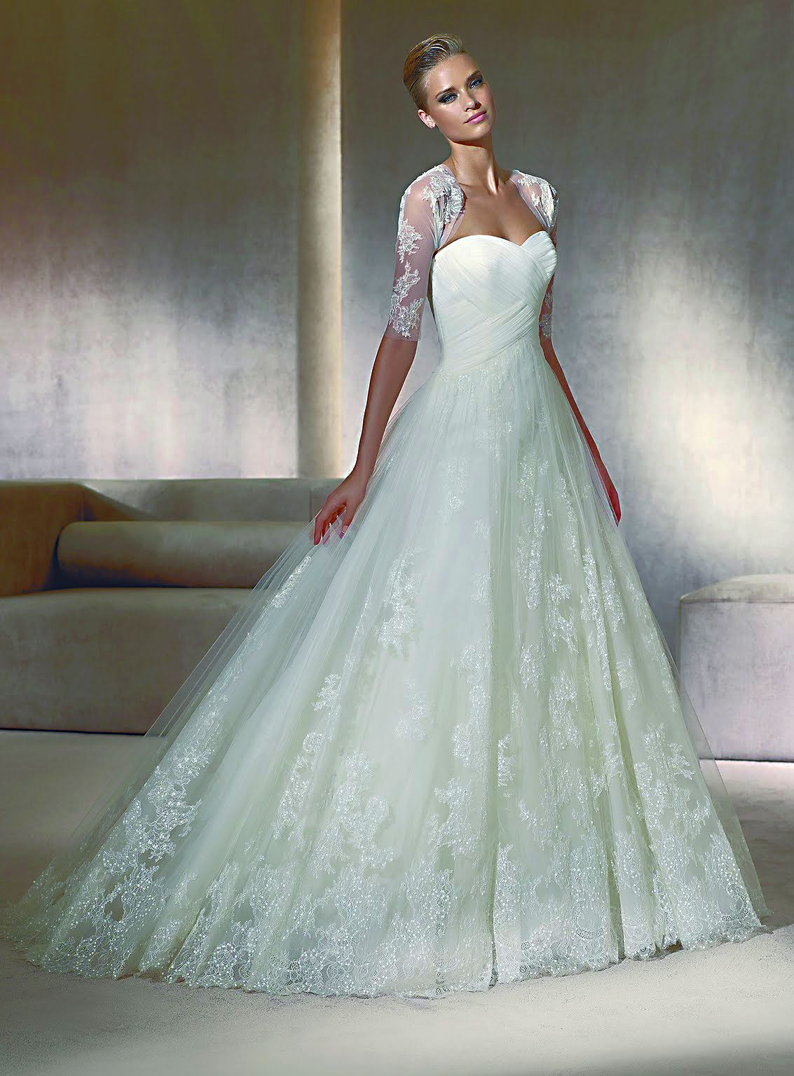 beautiful bride / http://www.pronovias.com/wedding-gown/pergola2012 ...