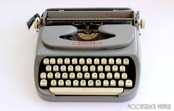 Vintage Singer Scholastic Typewriter With Case Made In Holland Etsy Vintage Typewriters Vintage Typewriter