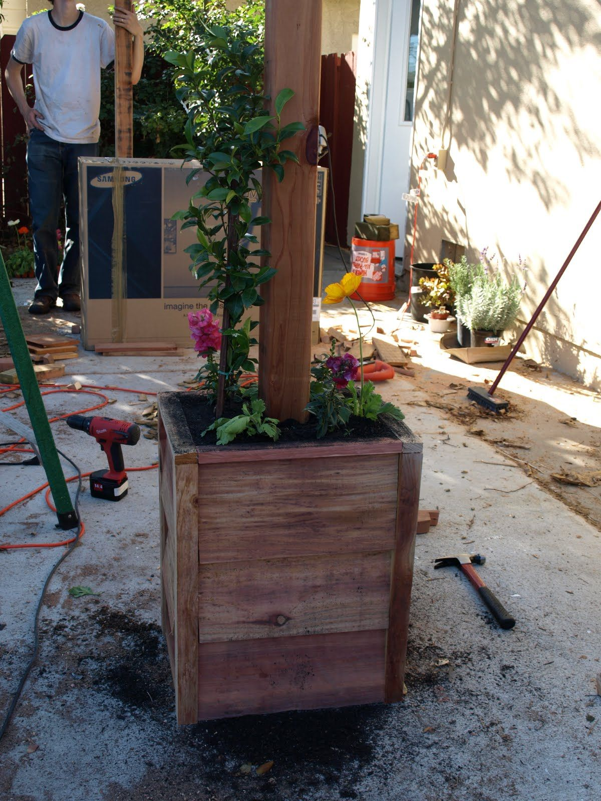 Pergola Post With Built In Planter Box Loma And Konrad