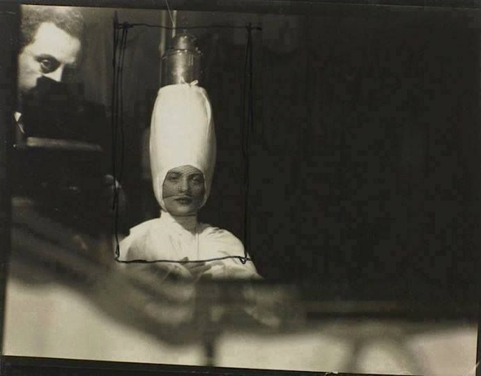 Man Ray - Autoportrait dans un miroir avec Lee Miller, Cannes, 1929