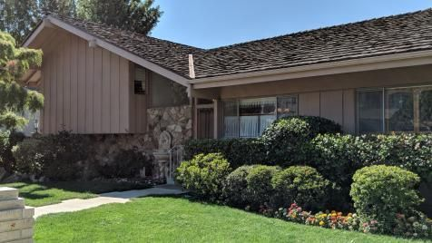 Is Restoring 'The Brady Bunch' House to Its '70s Glory and Reuniting the Original Cast #bradybunchhouse 'The Brady Bunch' House, Before the Renovation #bradybunchhouse - puppiesworld #bradybunchhouse