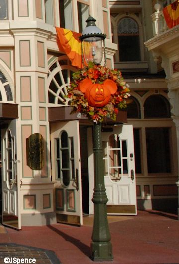 Fall Decor - Mickey Lamppost...being there during our honeymoon was absolutely wonderful!!!!!!!
