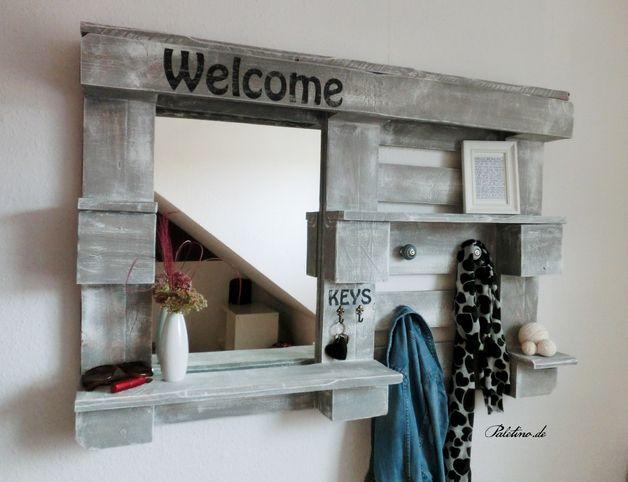 wandregale flur wandregal aus europalette ein designerst ck von paletino bei dawanda wohnen. Black Bedroom Furniture Sets. Home Design Ideas