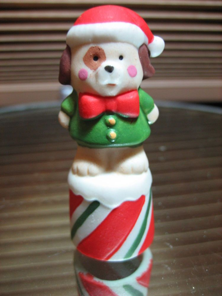 THIMBLE BISQUE ENESCO TOPPER OF CHRISTMAS DOG W SPOT ON EYE WEARING SANTA'S HAT