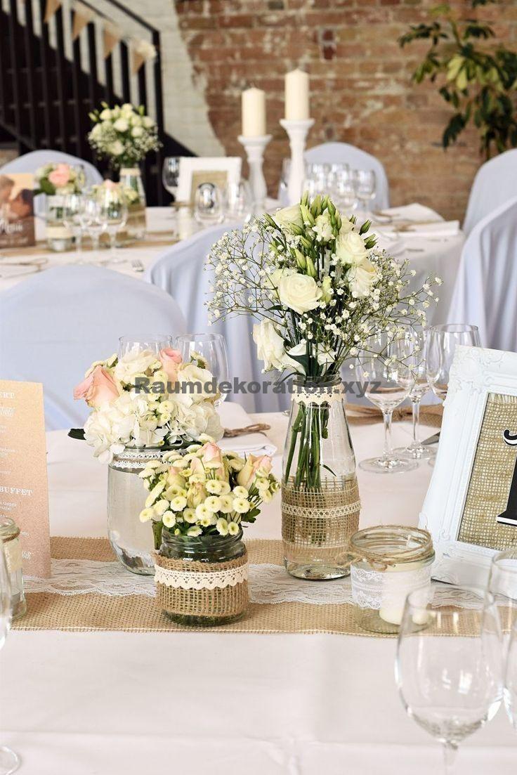 Tischdeko Hochzeit Vintage Tischdekoration In Weiss Deko Dekohochzeit Dekoration Dekorationhoc Vintage Table Decorations Wedding Table Flower Decorations