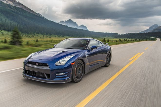 northern delights piloting a brand new 2015 nissan gt r black rh pinterest co uk