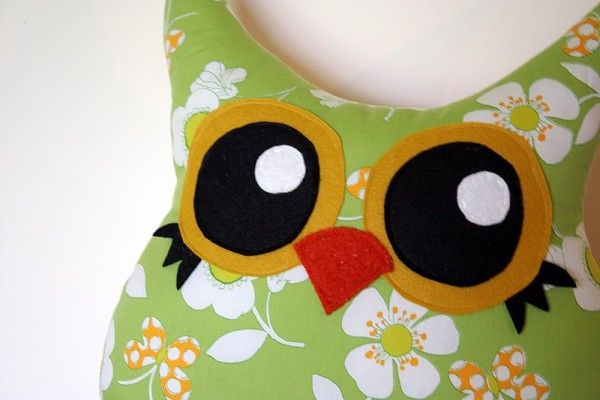 I love the eyes on this one Owl pillow, Pillows, Crafty
