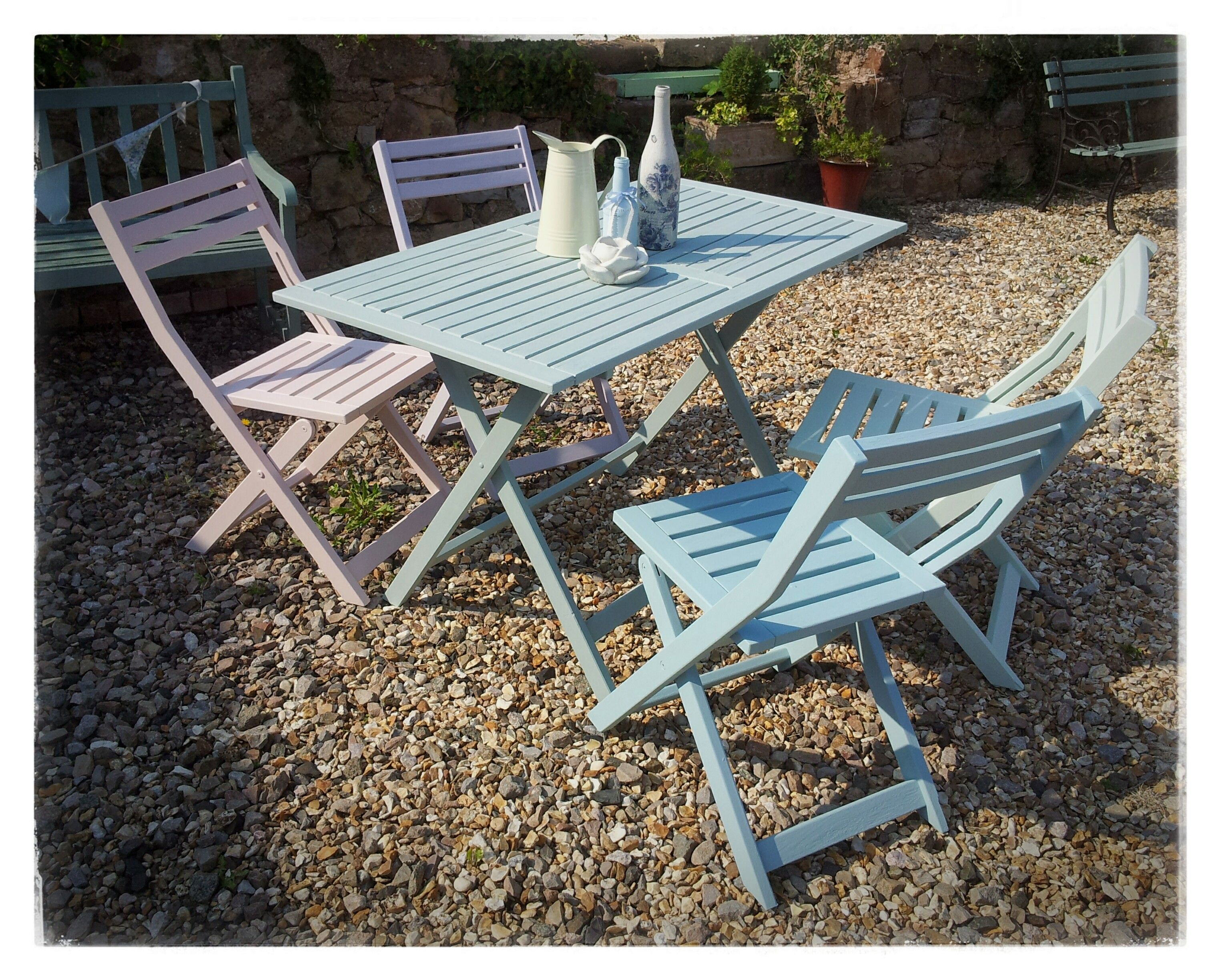 Hand painted garden table and chairs in pastel shades of Autentico