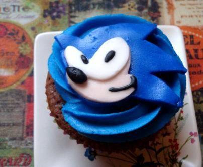 Greene Acres Hobby Farm: Sonic the Hedgehog Free Cupcake Topper ...