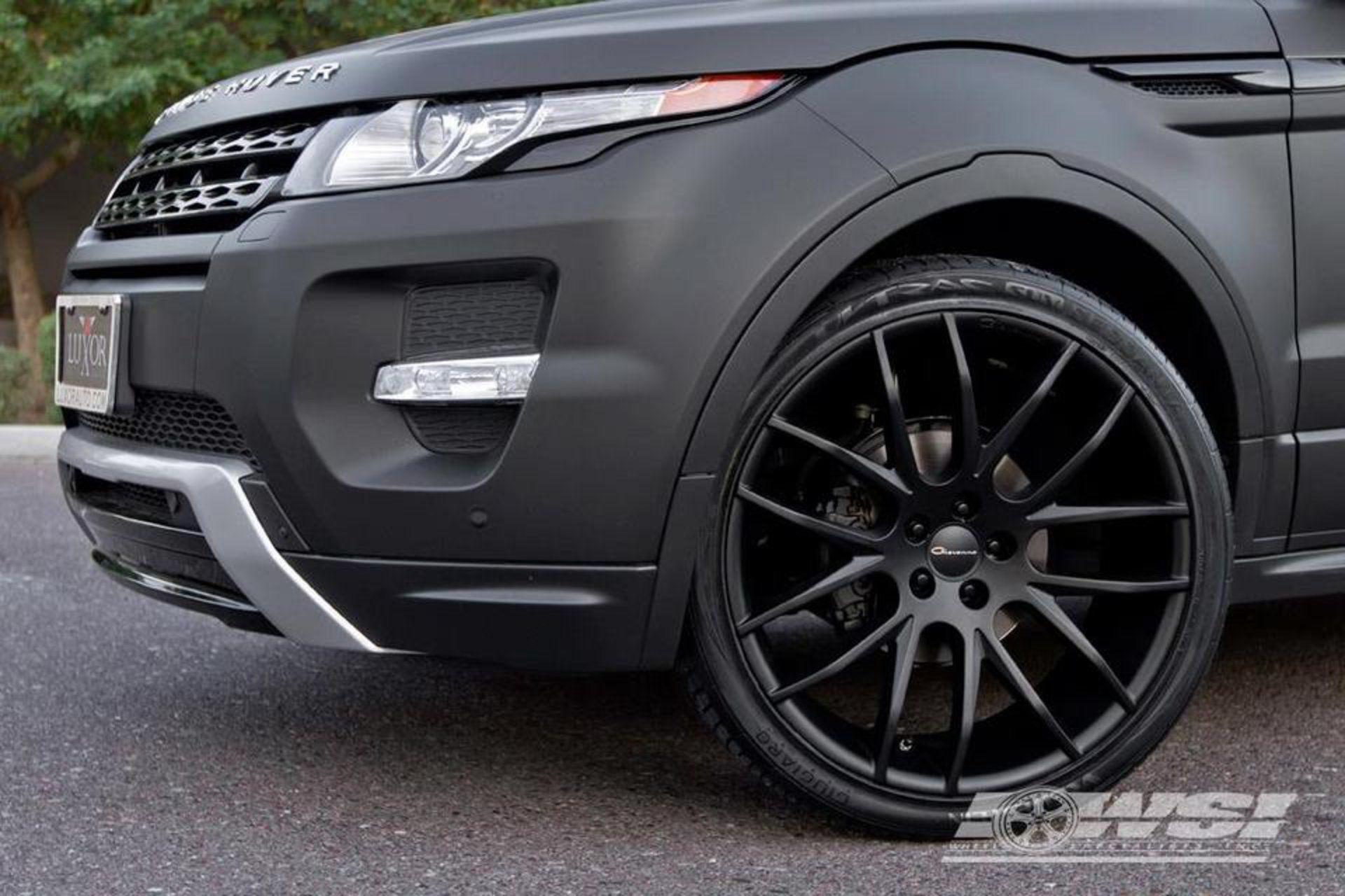 Giovanna Kilis Matte Black 22 On Range Rover Evoque Land Rover