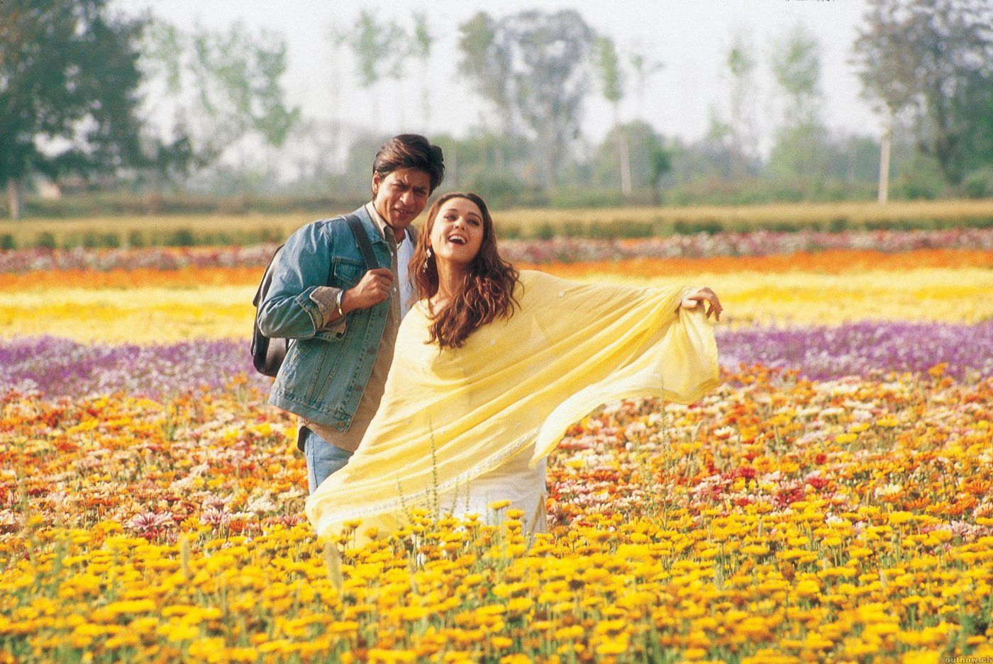 I'm still not sick of watching bollywood lovers frolic
