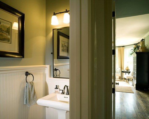 10 Painting Tips To Make Your Small Bathroom Seem Larger  Small Inspiration Small Bathroom Design Tips Decorating Inspiration