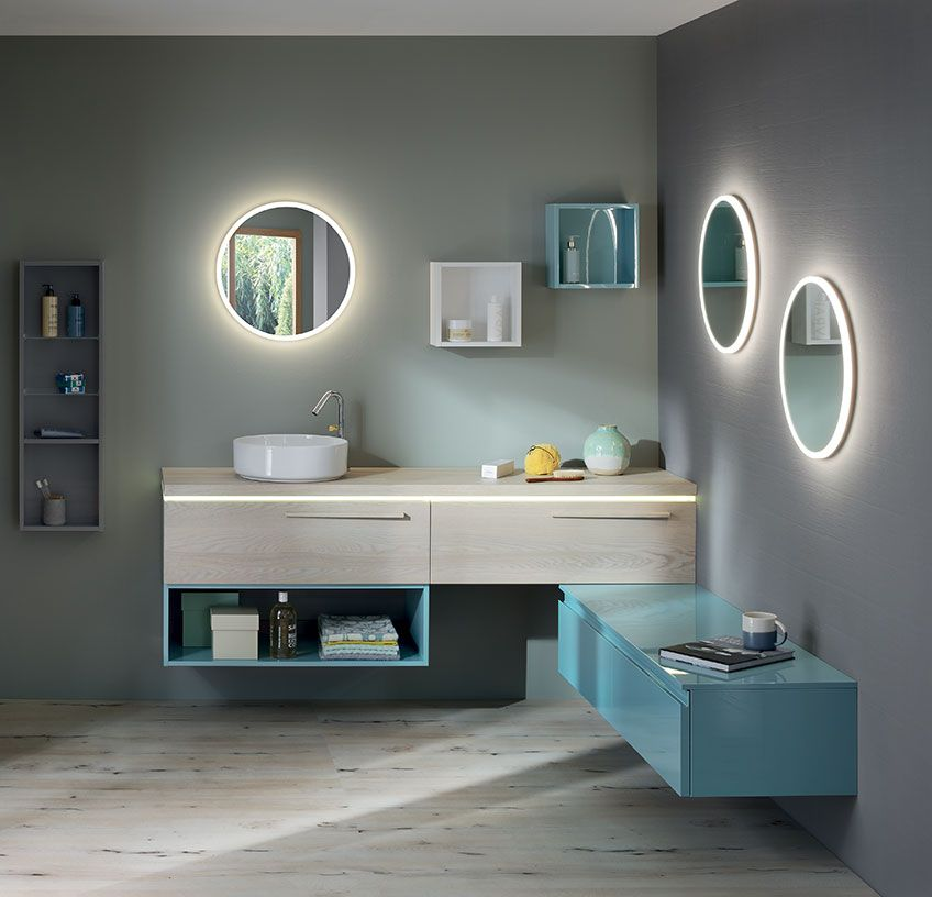 Pour un r�veil tout en douceur, optez pour cet ensemble de la gamme halo. Les miroirs avec �clairage LED int�gr� apportent un c�t� doux et f�erique. Disposez les meubles selon vos envies, pour une salle de bain unique et � votre image.  - halo de Sanijura