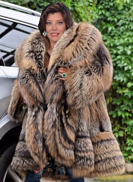 Women's Faux Shearling Lamb Fur Coat Fox Fur Hooded Winter Jacket Warm Outwear