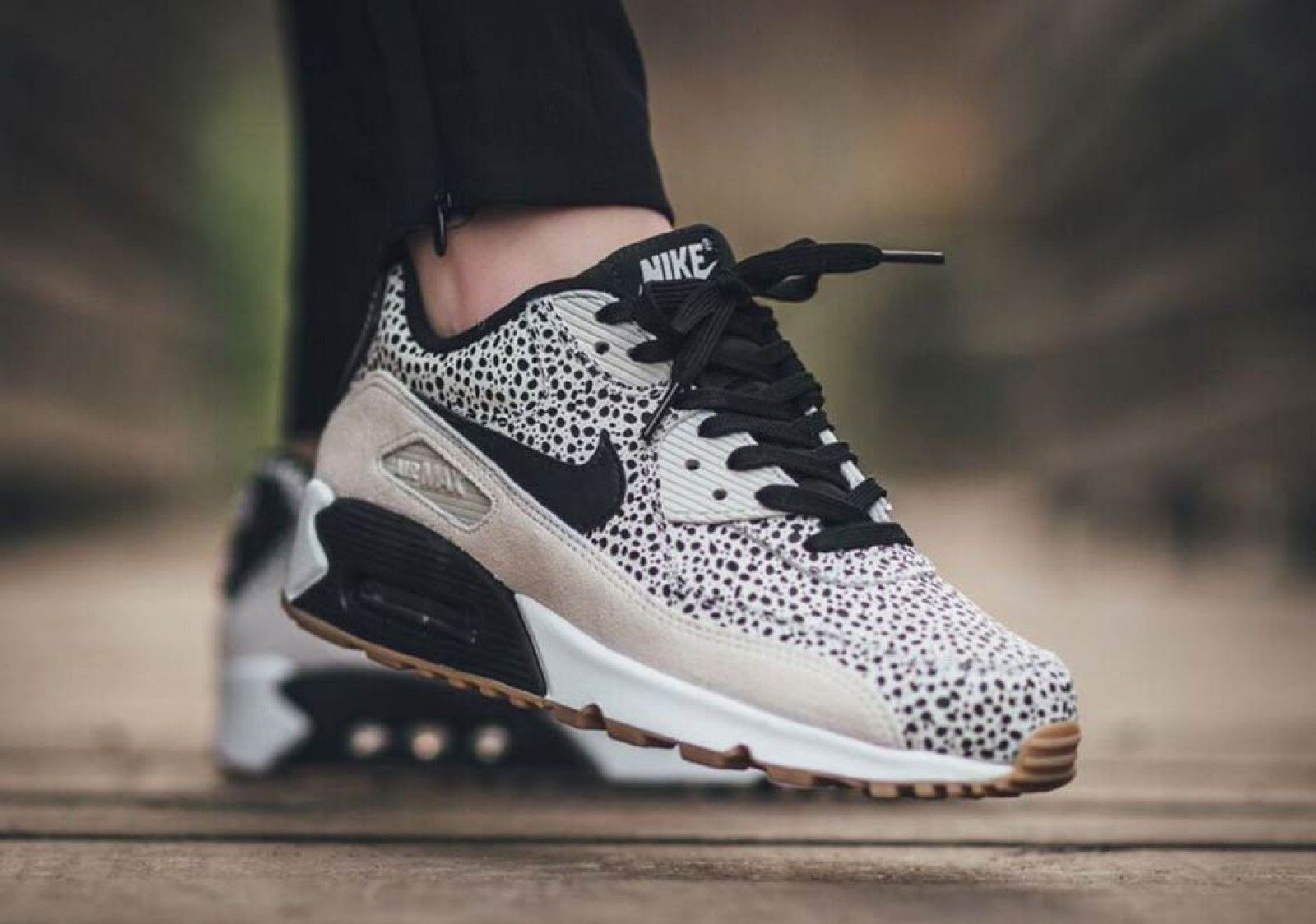 98d4d5be45c49 Nike Wmns Air Max 90 PRM White/Black-Gum Light Brown - 443817-102 ...