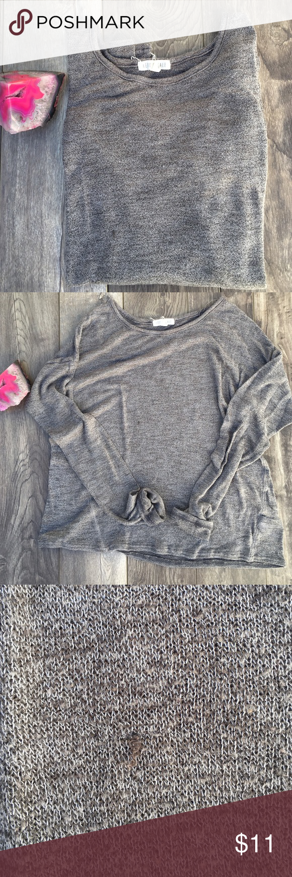 Lightweight Sweater Gray lightweight Knit Sweater small blemish where thread is coming out. Aeropostale Sweaters Crew & Scoop Necks