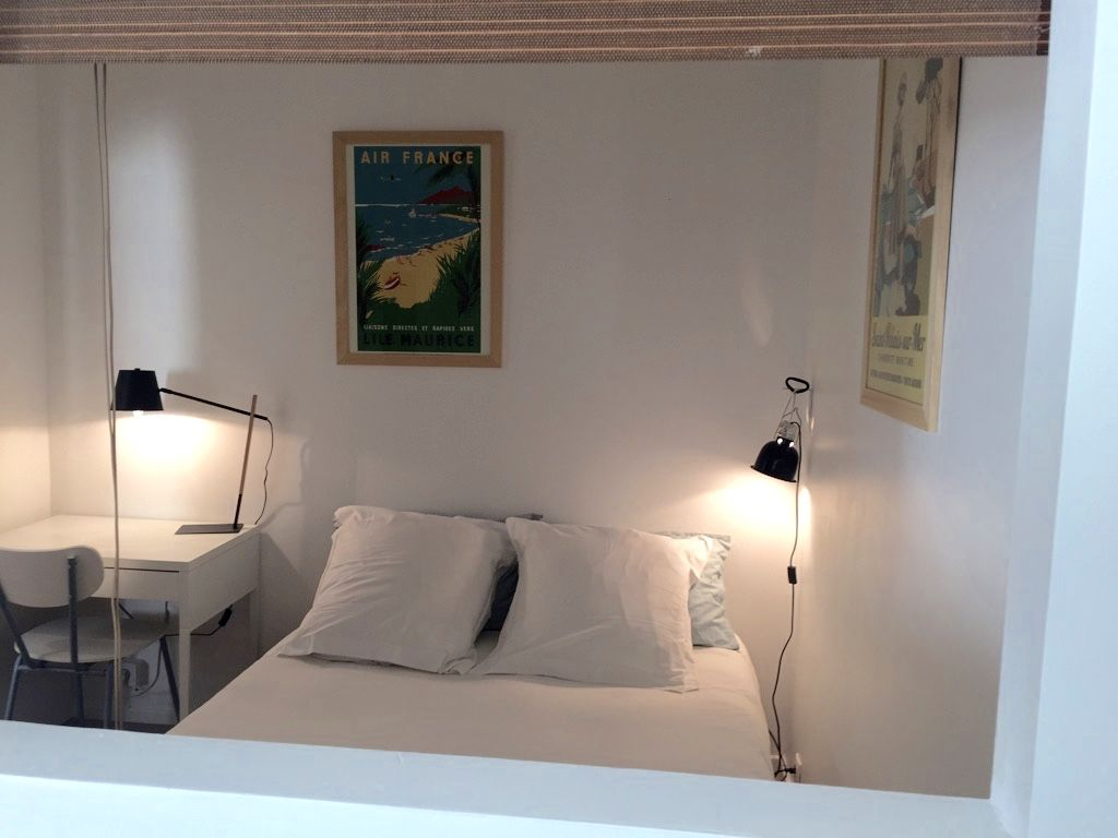 Bureau ikea lampe de bureau monoprix et lanterne noire de chez