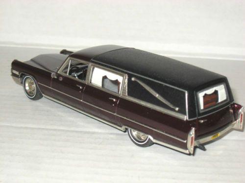 Motor-City-1966-Cadillac-Deluxe-Hearse-Limousine-Maroon-MC-79-1-43-Leichenwagen