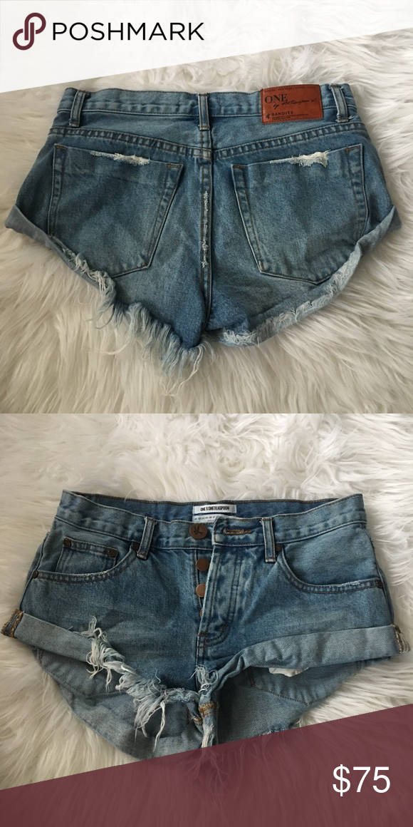 06bb41f2af One teaspoon bandits size 24 Best fits a 25/26. This brand/style runs big.  Don't have measurements sorry. One Teaspoon Shorts