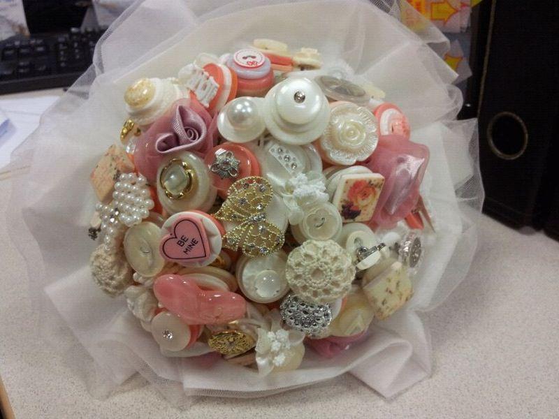 DIY Hand Bouquet !! | Hand bouquet, Flowers bouquet, Bouquet