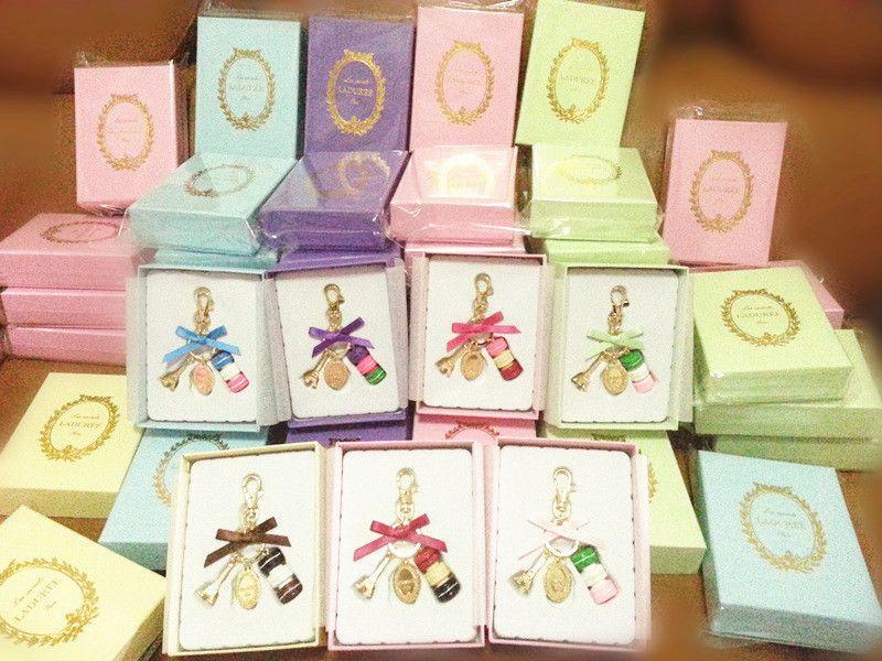 2014 time limited romantic women laduree chain macarons for Laduree christmas