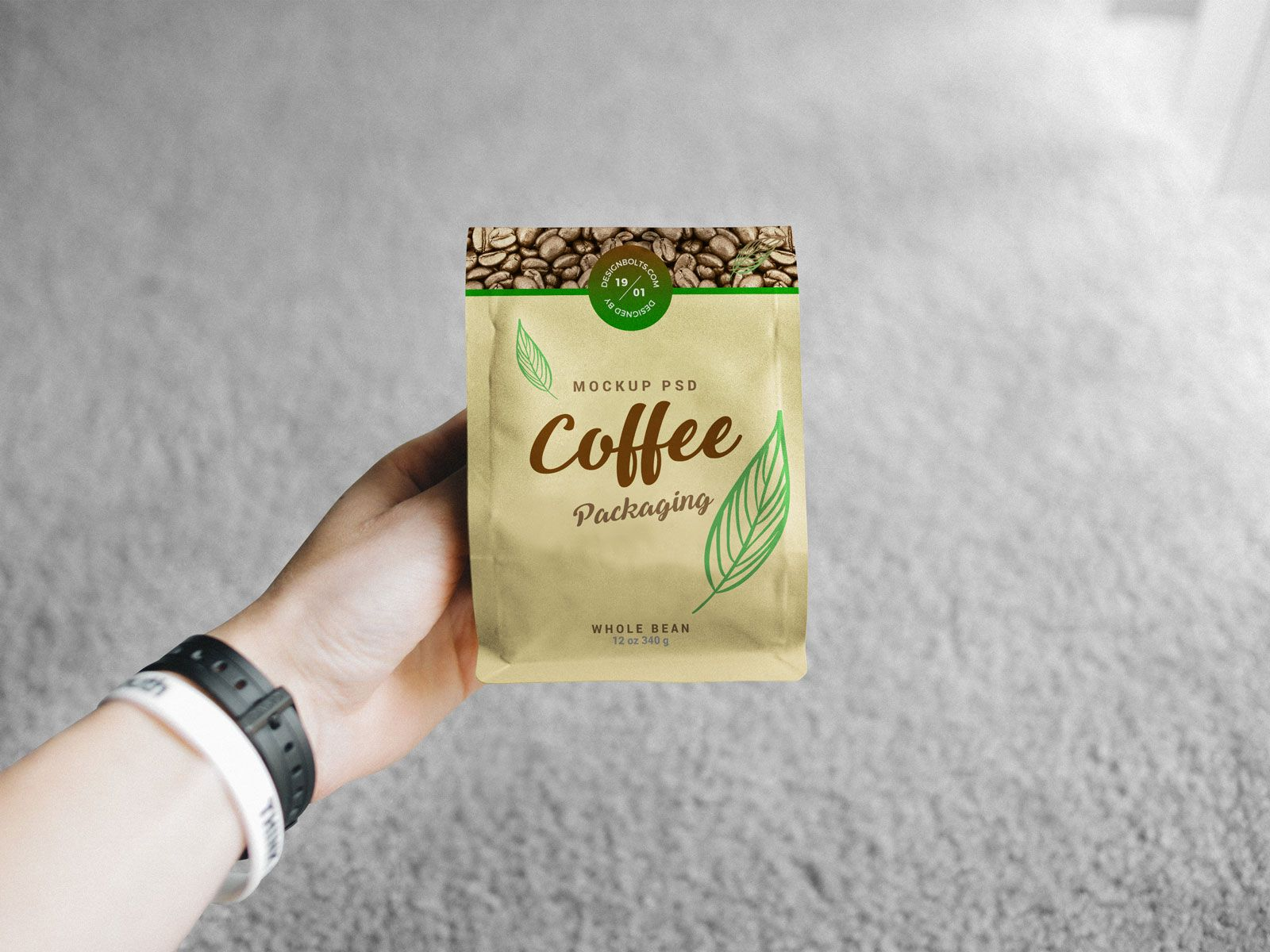 Download Hand Holding Coffee Bag Packaging Free Mockup Packaging Mockup Bag Packaging Free Packaging Mockup