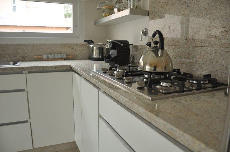 Mueble de cocina en melamina blanca   LESAR AMOBLAMIENTOS   Fábrica ...