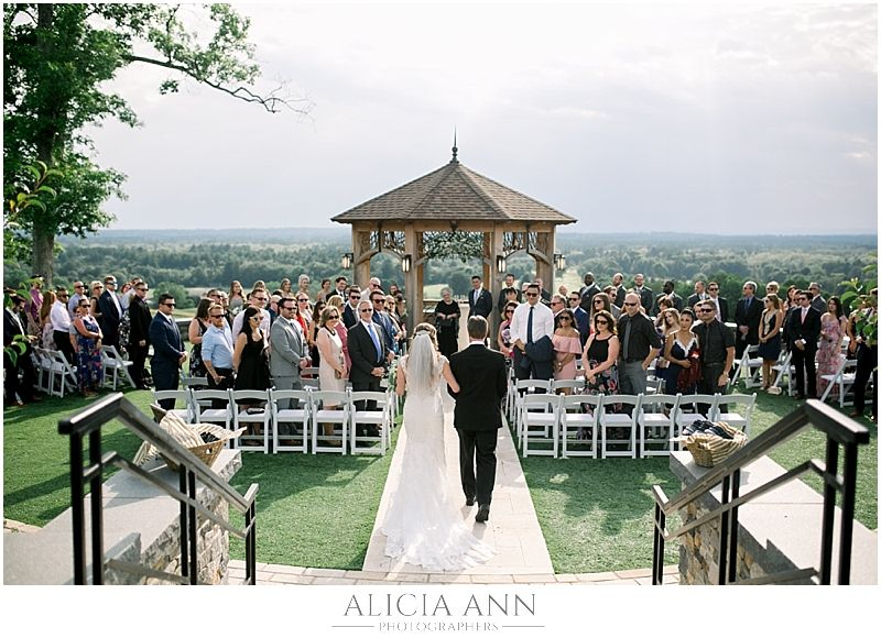 Audrey And Michael S Starting Gate At Great Horse Wedding Ct Wedding Alicia Ann Photography Mawed Horse Wedding Connecticut Wedding Venues Connecticut Wedding