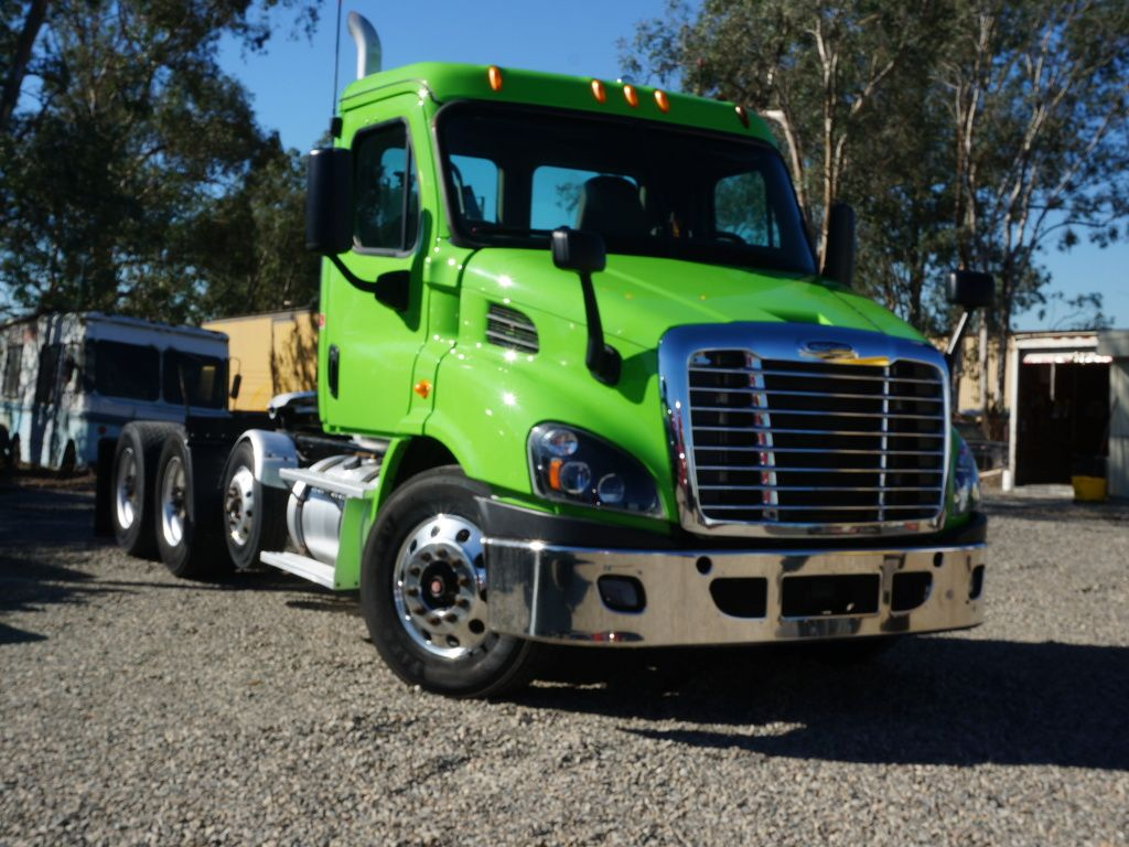 Used 2014 Freightliner Cascadia Tandem Axle Daycab Truck 10443 Freightliner Freightliner Cascadia Trucks